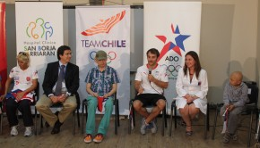 Chilean athletes visit hospital San Borja. Photo: Team Chile