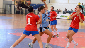 Chile lost their opener against Uruguay. Photo: Brazilian Handball Federation