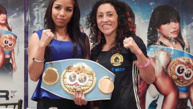 Carolina Rodríguez faces off against Janeth Pérez ahead of their world title fight. Photo via Facebook