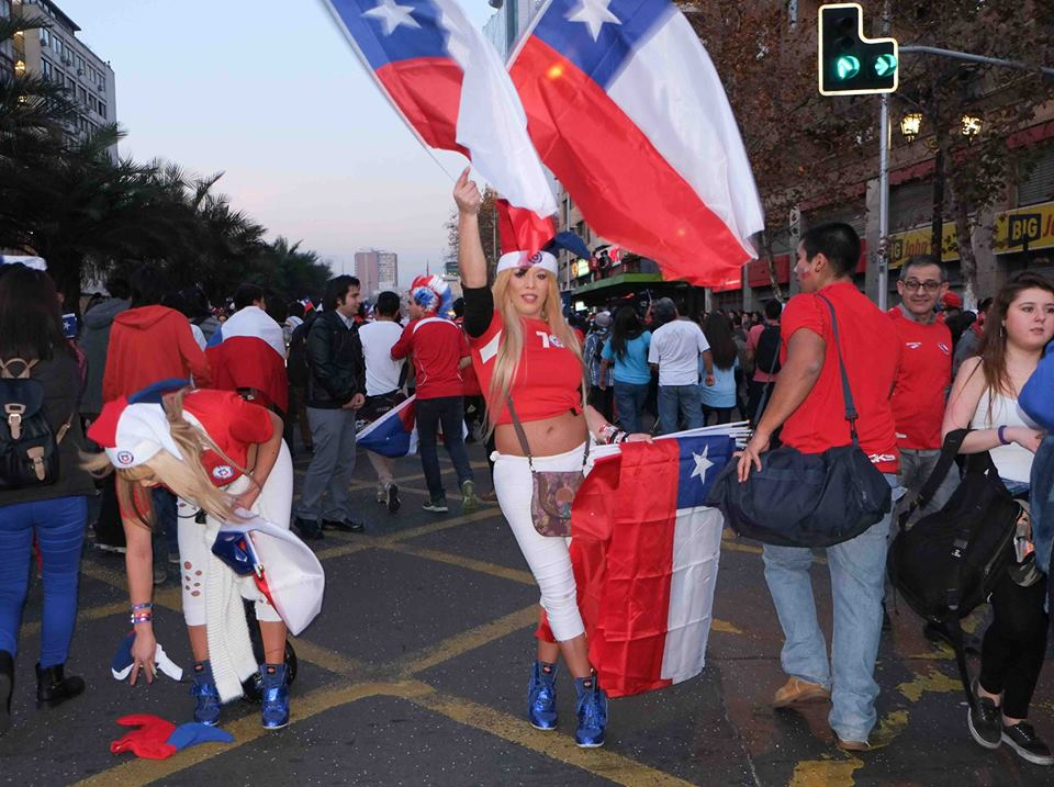 Sales of Chilean flags were popular. Photo: Vasilios Devletoglou