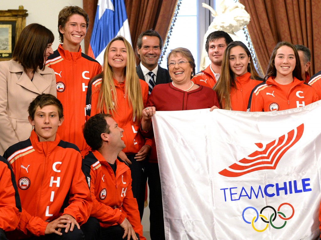 Michelle Bachelet says farewell to Team Chile. Photo: Gobierno de Chile